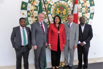 Nigerianische Botschafterin dankt